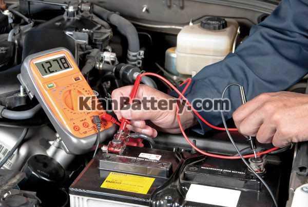 lam sach cuc ac quy o to چگونه باتری ماشین خود را تست کنیم؟