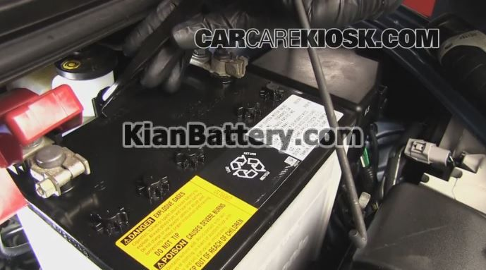 toyota yaris battery replacement3 آموزش تعویض باتری تویوتا یاریس