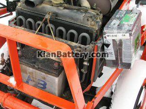 مکان باتری تراکتور 300x225 باتری تراکتور و همه چیز در مورد آن