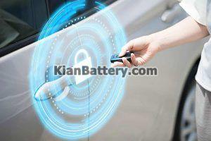 قفل درب ریموت 300x200 آموزش تعویض باتری ریموت ماشین