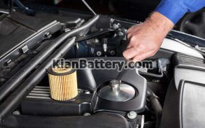 Oil Filter Replacement 300x188 همه چیز درباره فیلتر روغن موتور خودرو (زمان تعویض، راهنمای خرید)